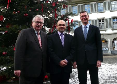 На снимката от ляво на дясно: Ханс-Уели фон Алмен, Николай Сираков, Рафаел Ланц